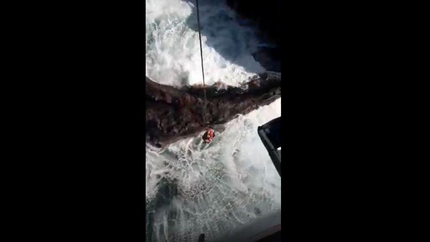 Rescate de vértigo de un pescador en Canarias