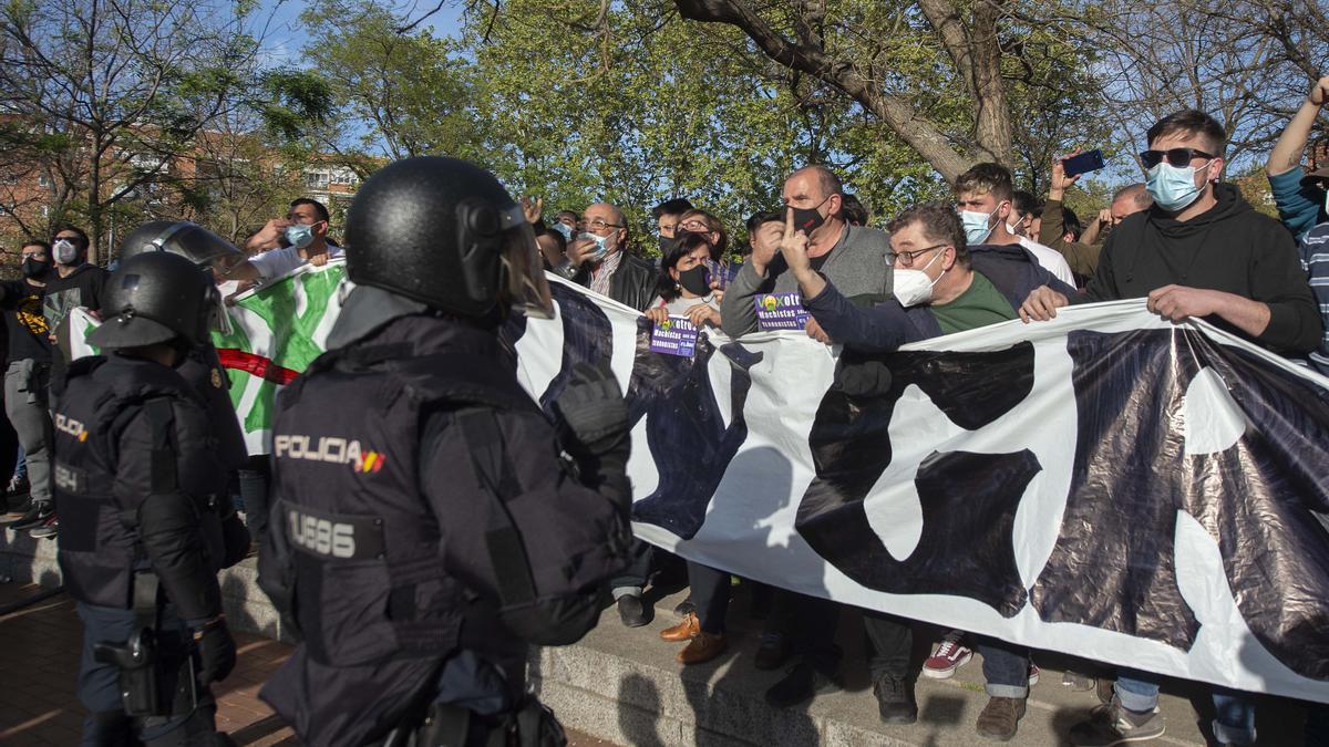 Incidentes en Vallecas por el evento de Vox.