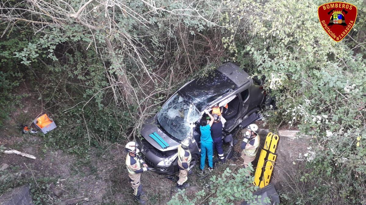 El conductor quedó atrapado en el interior del vehículo