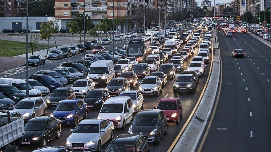 Casi 190.000 vehículos circulan por las carreteras valencianas sin seguro
