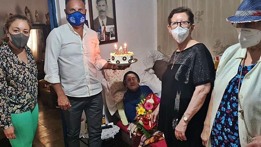 Cumple 101 años  de edad en Arguayo