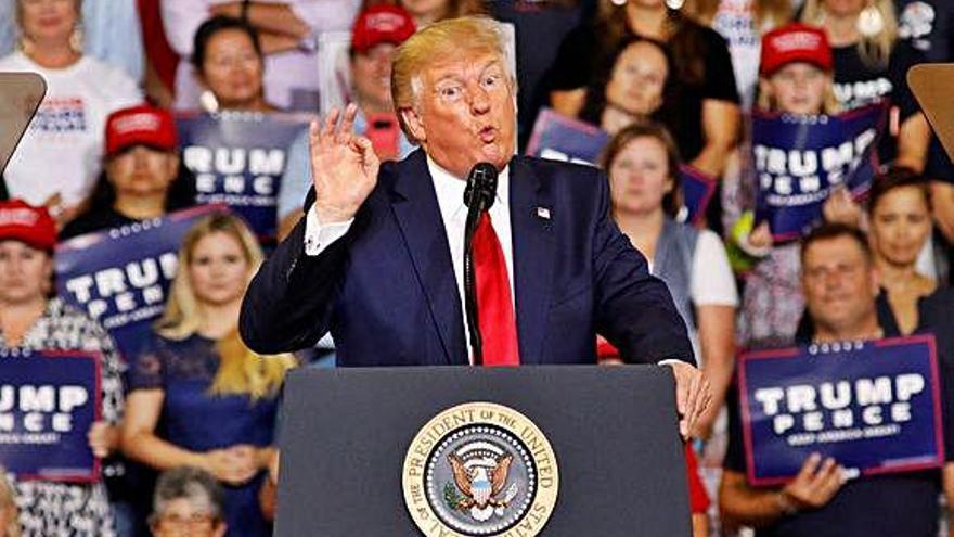 Trump calienta a sus bases con la campaña de insultos al 'escuadrón' demócrata