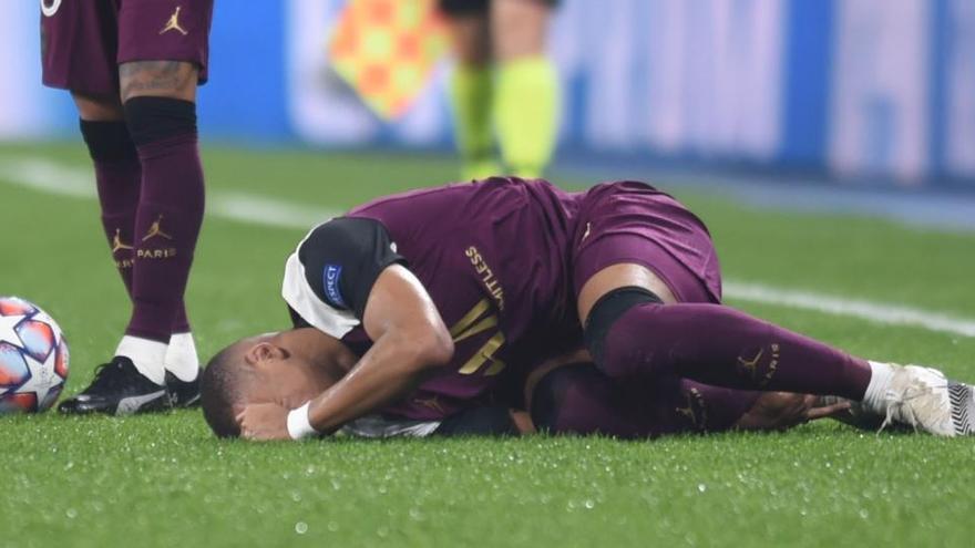 Neymar sufre una lesión muscular y será baja un mes
