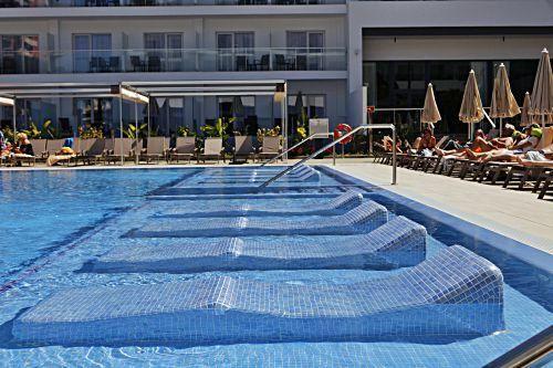 Das Drei-Sterne-Hotel Riu Playa Park war so sehr in die Jahre gekommen, dass sich die Hotelkette für Abriss und Neubau entschied.
