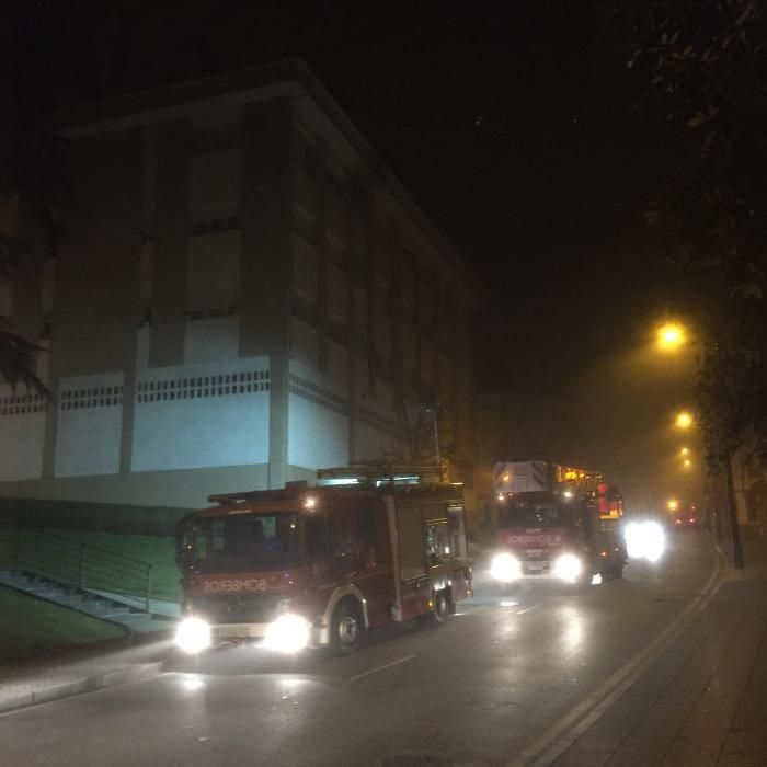 Incendio en la cocina de una vivienda en San Claudio (Oviedo)
