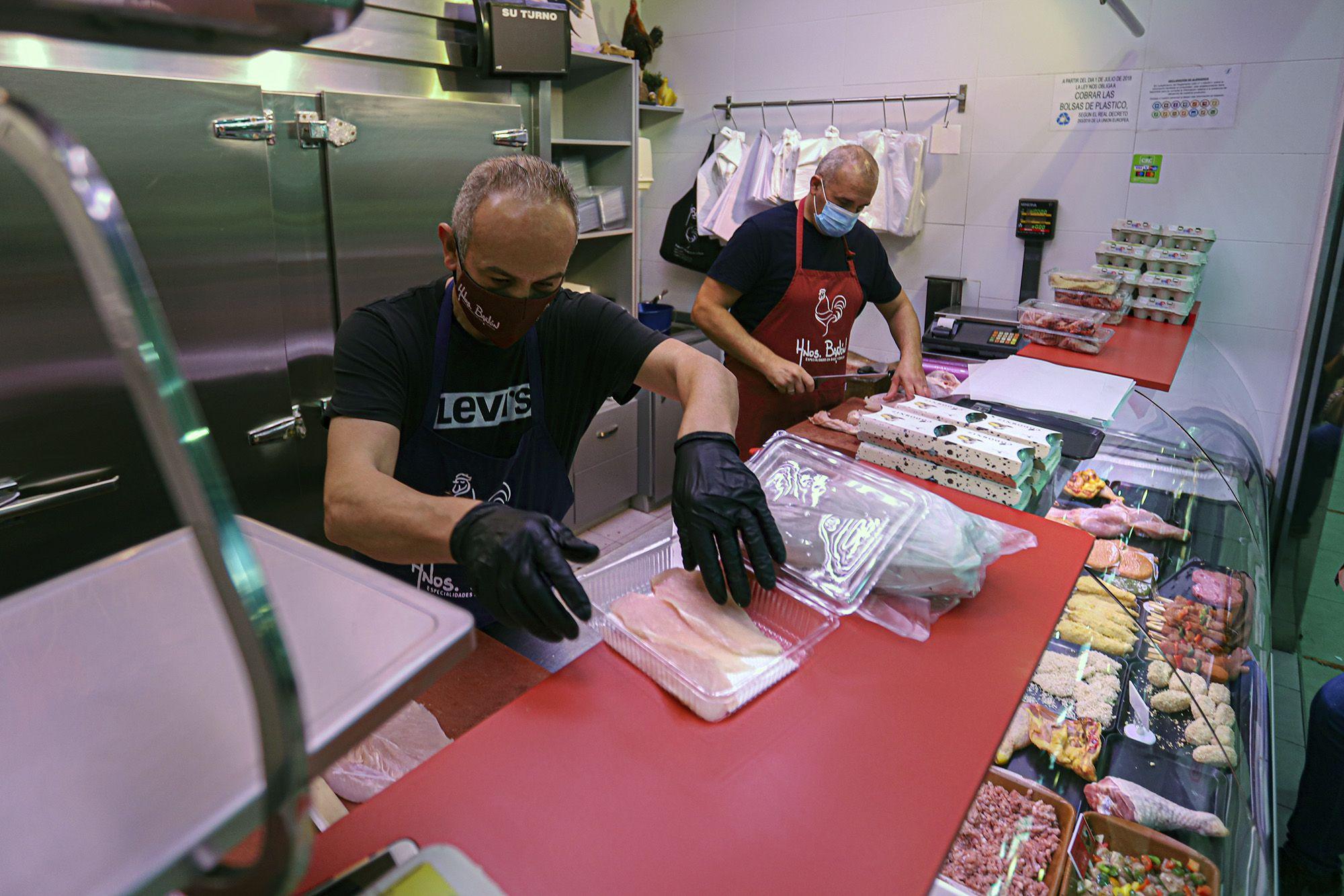 Comercios y bares se unen para servir a domicilio