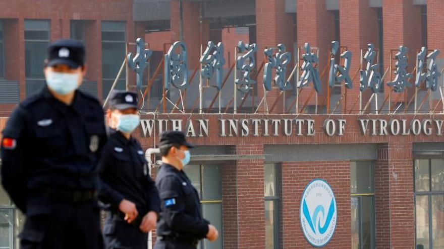 Tres miembros del Centro de Virología de Wuhan enfermaron en 2019, según EE UU