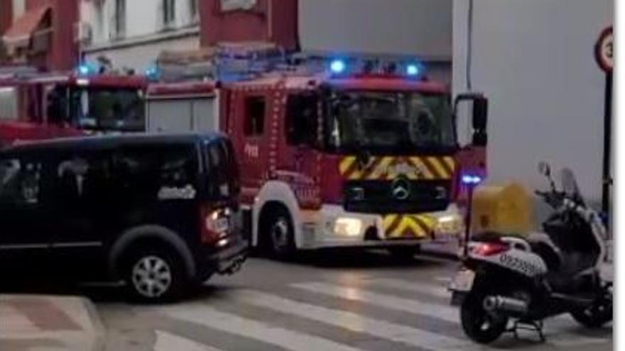 Incendio en la cuarta planta de un bloque de pisos en Santa María de Gracia