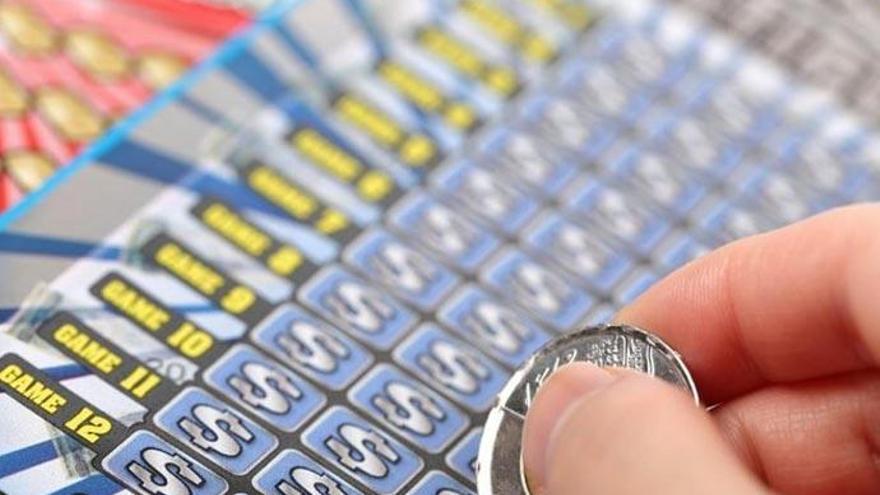 Una mujer gana la lotería jugando los números con los que había soñado