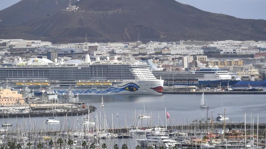 Cruceros en el Muelle de Santa Catalina