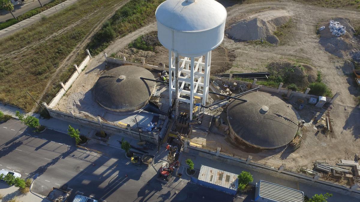 Imagen aérea de los depósitos de agua potable ubicados en Es Serralt de Manacor.