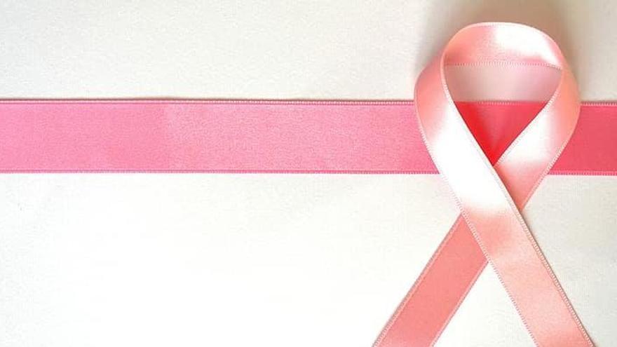 Un 80% de dones que superen un càncer de mama viuen amb la por a recaure