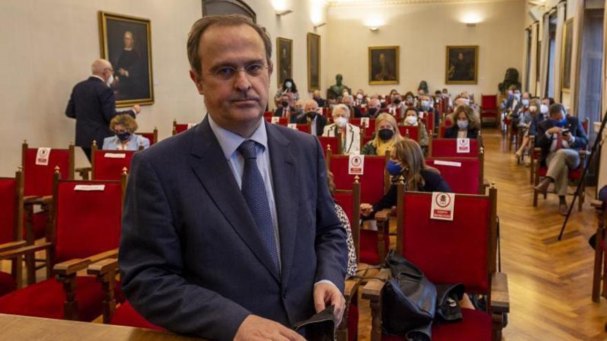 """Javier Junceda homenajea a los juristas asturianos en su ingreso en el RIDEA: """"Podemos estar orgullosos"""""""