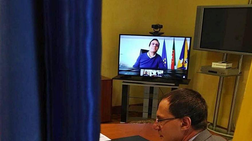 El subdelegado Ángel Blanco en la videoconferencia de ayer.