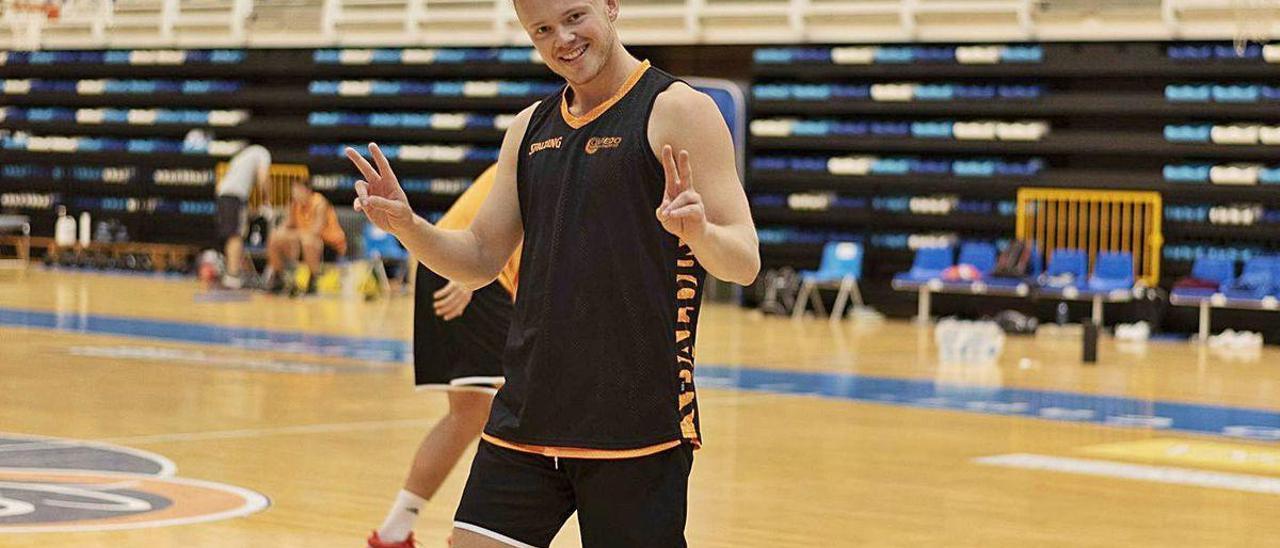 El base noruego Harald Frey, durante un entrenamiento del Liberbank Oviedo Baloncesto en Pumarín.