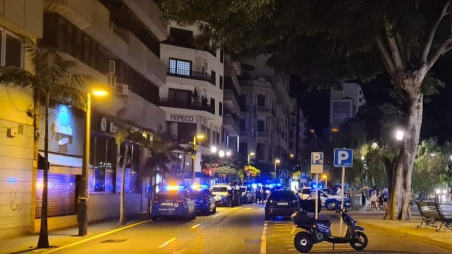 """Desalojados dos locales de ocio nocturno en Santa Cruz por incumplir los aforos y permitir el """"baile"""""""