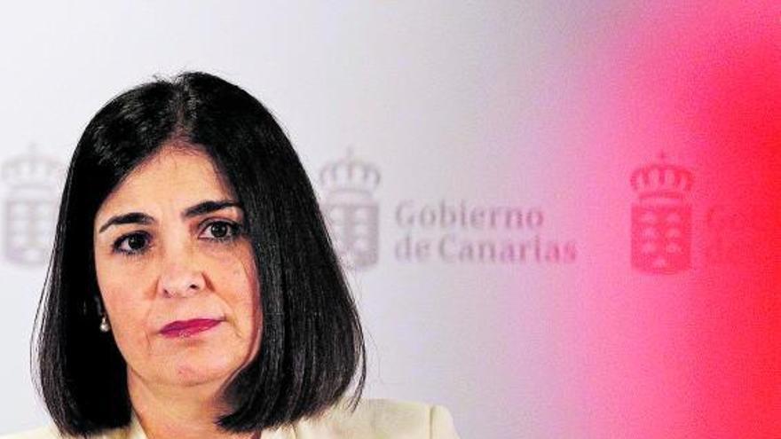 Canarias se pone en manos de Ábalos ante el 'bajo perfil' de Darias