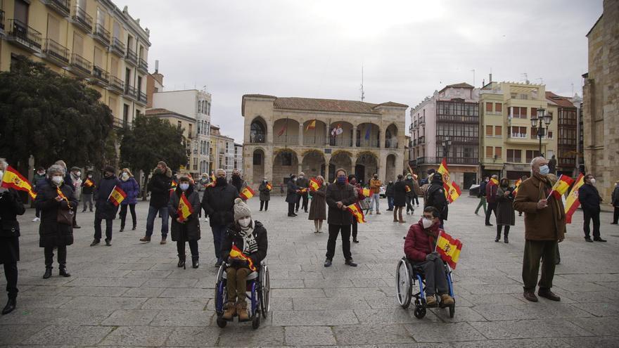 """Vox Zamora sale a la calle para defender la Constitución """"y su orden"""""""