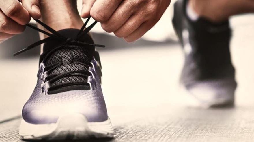 Trucos Limpieza Cómo Eliminar El Mal Olor De Las Zapatillas