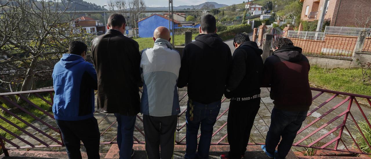Usuarios del centro de Amigos Contra la Droga de Avilés.