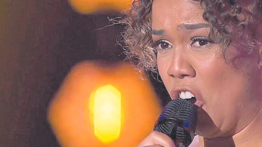 La canaria Sislena Caparrosa, entre los tres mejores cantantes de 'Top Star'