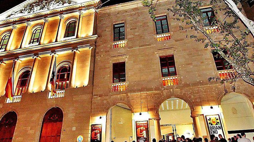 La auditoría del Teatre Principal señala al Patronato por no poner orden en el control de la caja