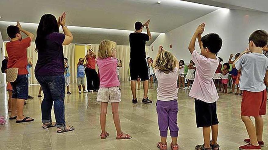 Los Casals de Barri ofrecen cerca de mil cursos por 44 euros al trimestre
