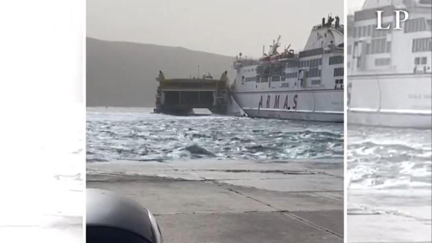 Choque de dos barcos en Los Cristianos