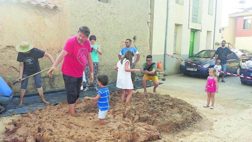 Micología y cultura a partes iguales en Morales de Valverde