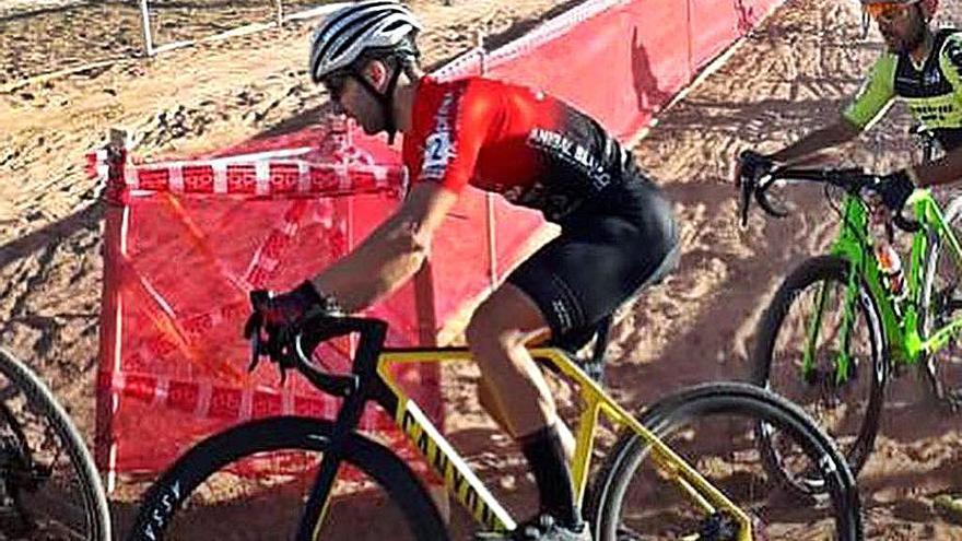 Rubén Deaño roza el podio en las carreras de Valencia