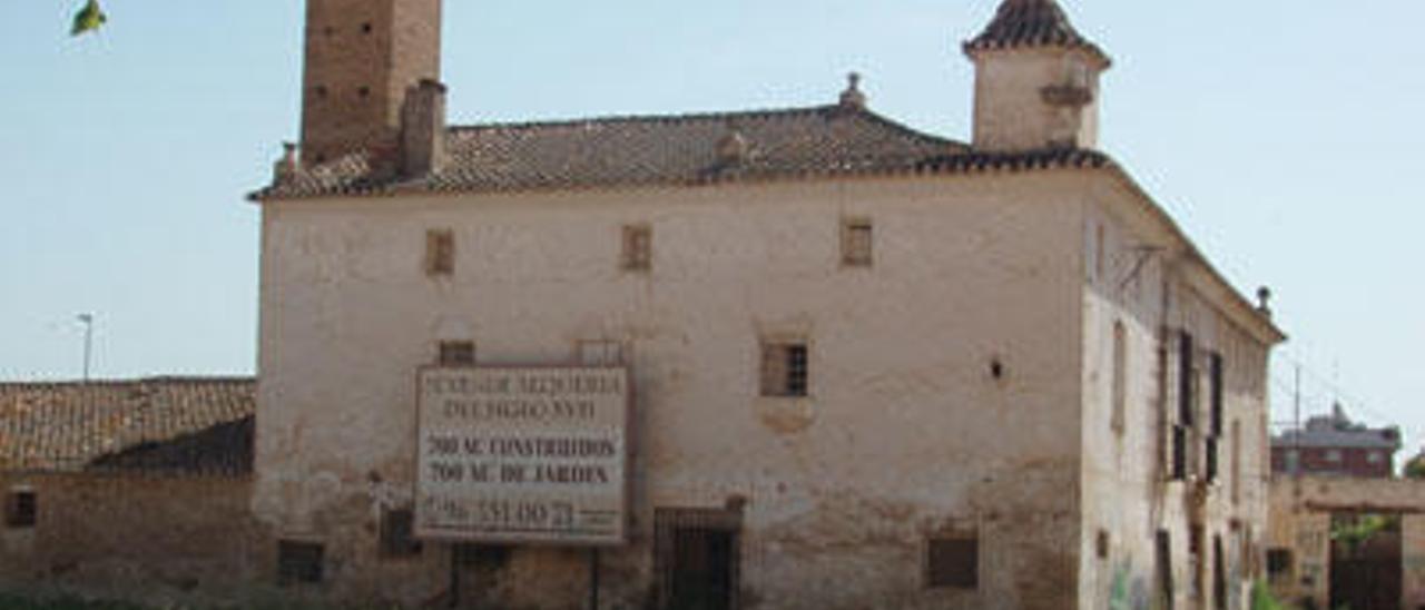 La alquería Falcó, un edificio protegido pendiente de expropiar, en cuyo entorno se acaba de aprobar una expropiación