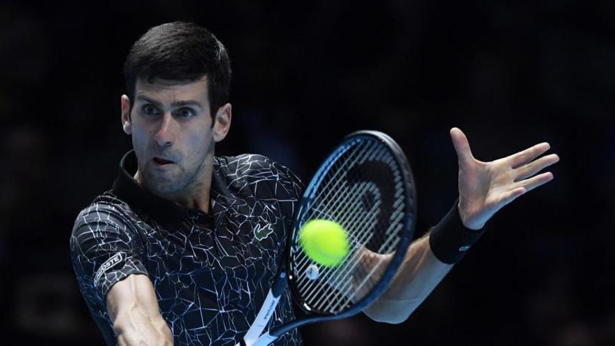 Djokovic no da opción a Isner en las Finales de la ATP