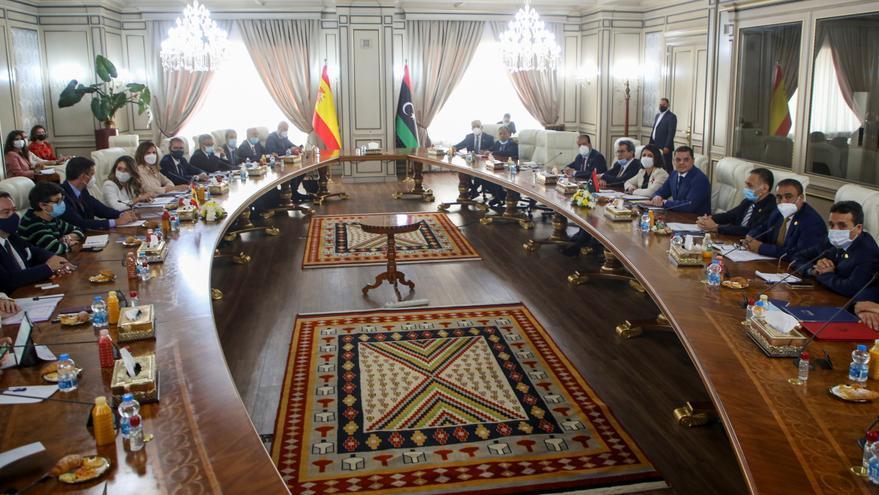 Sánchez ofrece ayuda política y económica a Libia