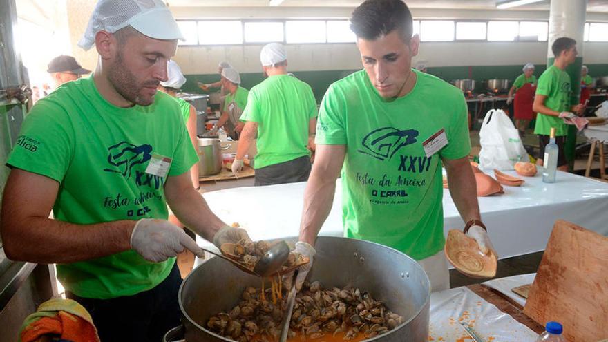 La almeja protagoniza su fiesta gastronómica durante dos días en Carril