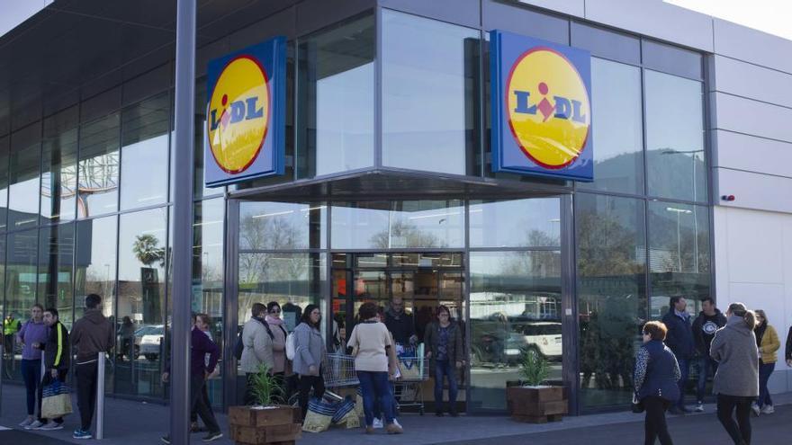 Tres heridos en una explosión en la central de Lidl en el suroeste alemán