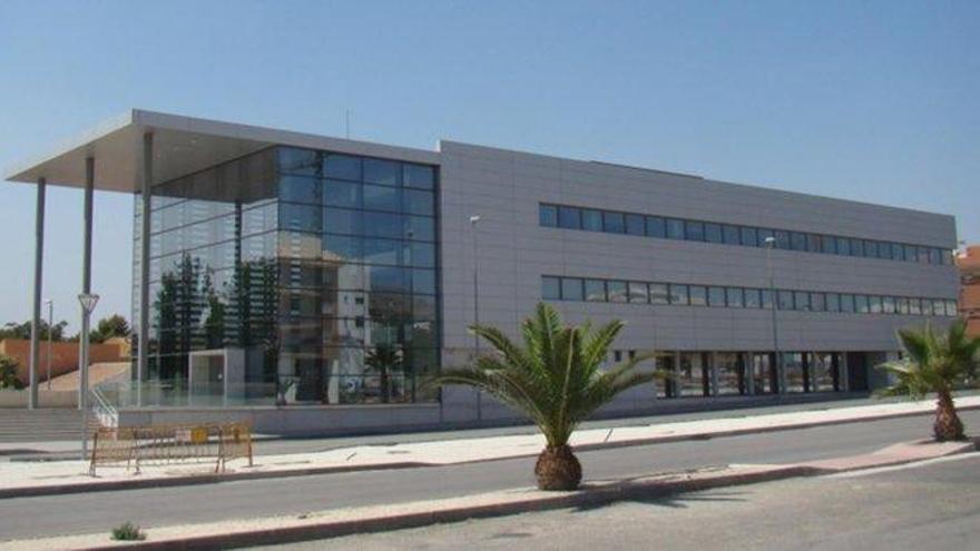 Secuestra y viola en Bullas (Murcia) durante días a una joven a la que conoció por Internet