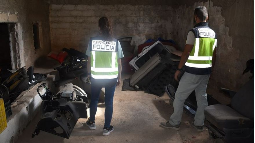 Desarticulada en Alicante una organización criminal que vendía coches siniestrados con piezas de vehículos robados