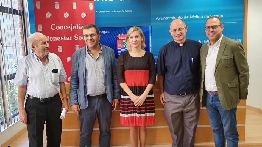 Molina apuesta por la ayuda a personas en situación de exclusión social grave
