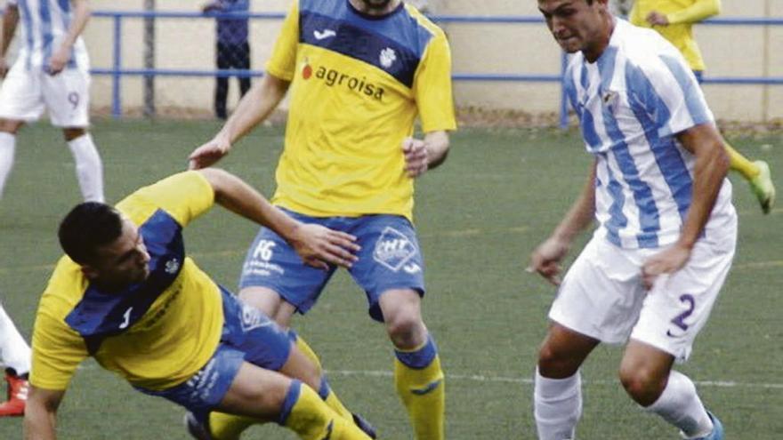 Ismael Gallar refuerza el juego ofensivo del Rápido de Bouzas