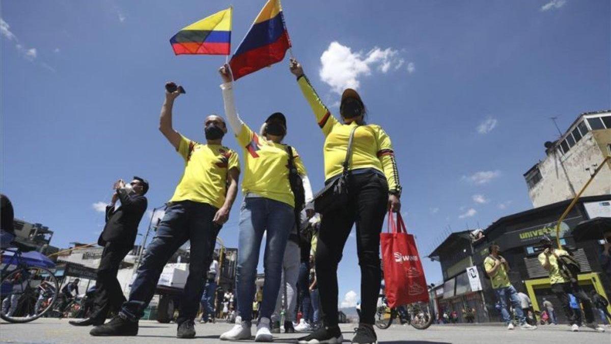 Colombia rebasa otra vez los 10.000 nuevos casos de coronavirus en una jornada