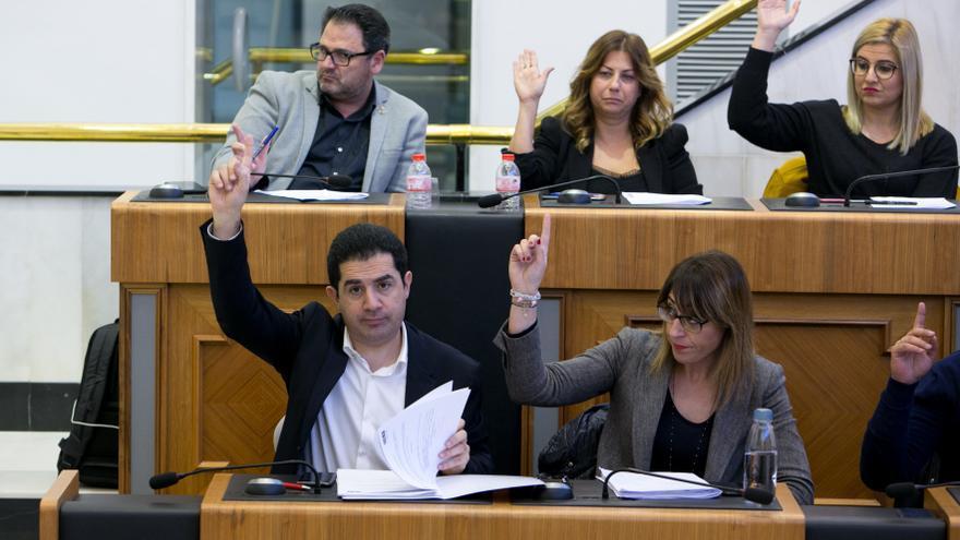 El PP y el PSOE trasladan a la Diputación el conflicto por los ahorros municipales
