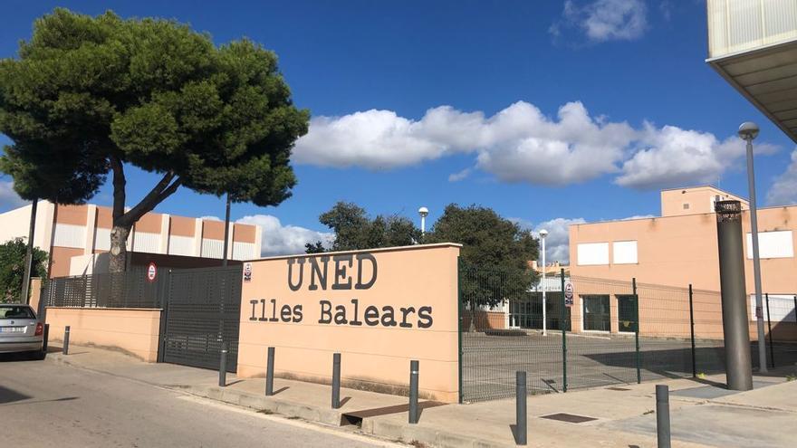La Universidad A Distancia Uned Pionera En Formacion Semipresencial En Baleares Diario De Ibiza
