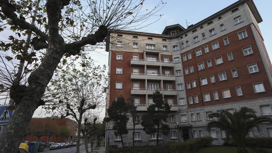 Ensidesa vende pisos en Avilés de 80 a 100 metros a precio de ganga: entre 29.000 y 36.000 euros