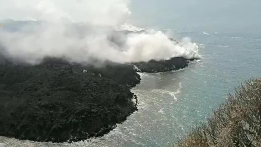 La alta emisión de dióxido de azufre del volcán de La Palma descarta el fin de la erupción a medio plazo