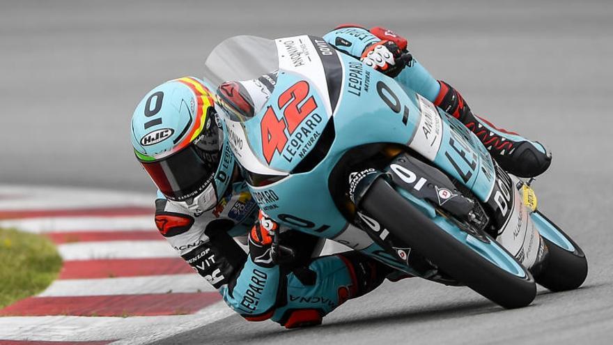 Marcos Ramírez logra su primera victoria en Moto3