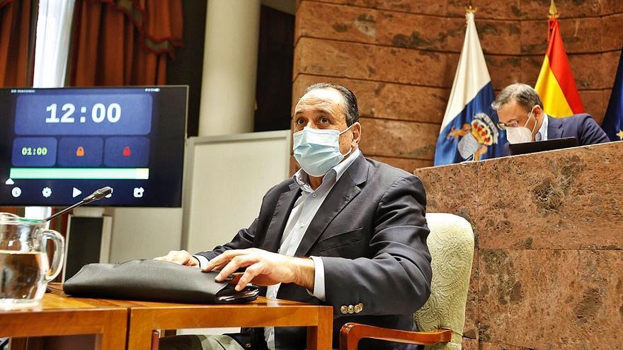 Sanidad concluye que el obispo de Tenerife mintió para vacunarse