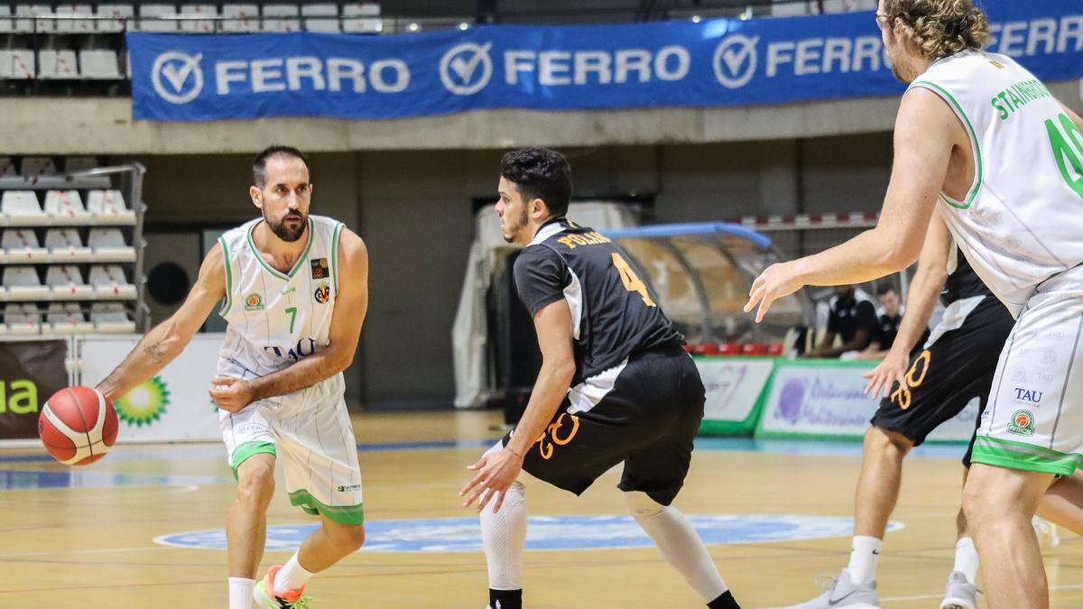 Romà Bas, en un partido del TAU Castelló de la presente temporada.