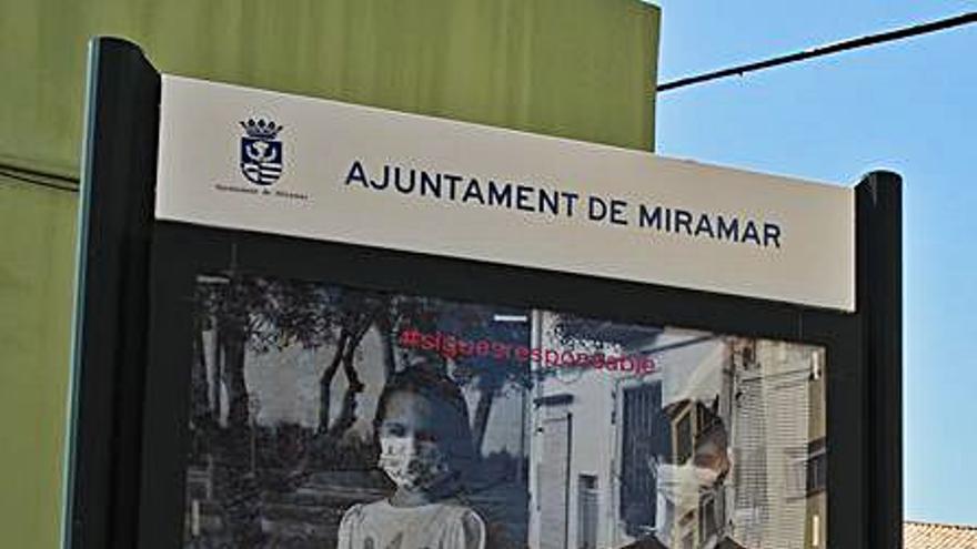 Els veïns i veïnes de Miramar, referents per l'ús de les mascaretes