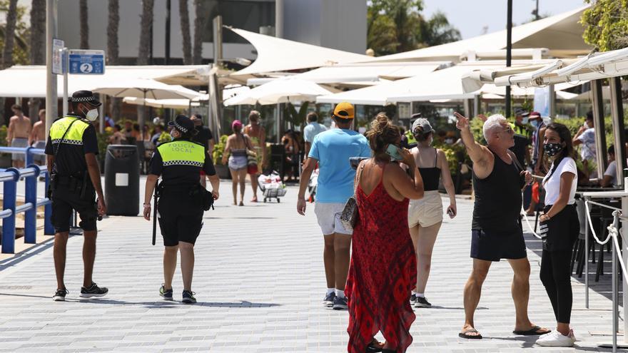 Sanidad pide el toque de queda para Alicante por estar en alerta de riesgo máximo
