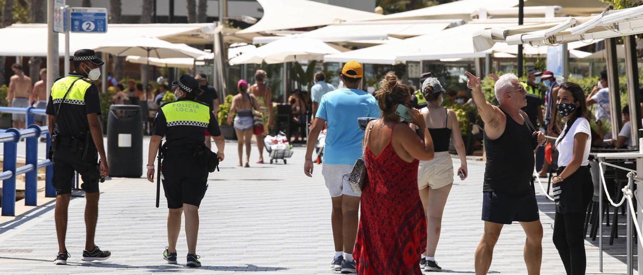 Alicante, entre las localidades para las que Sanidad pide al TSJ el toque de queda desde este domingo